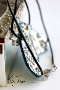 bluebeauty_pendant_side_wm